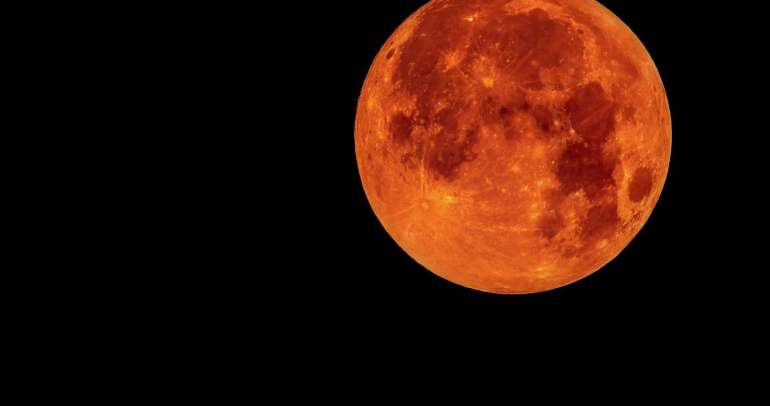 July 2018 Full Moon Forecast: Blood Moon